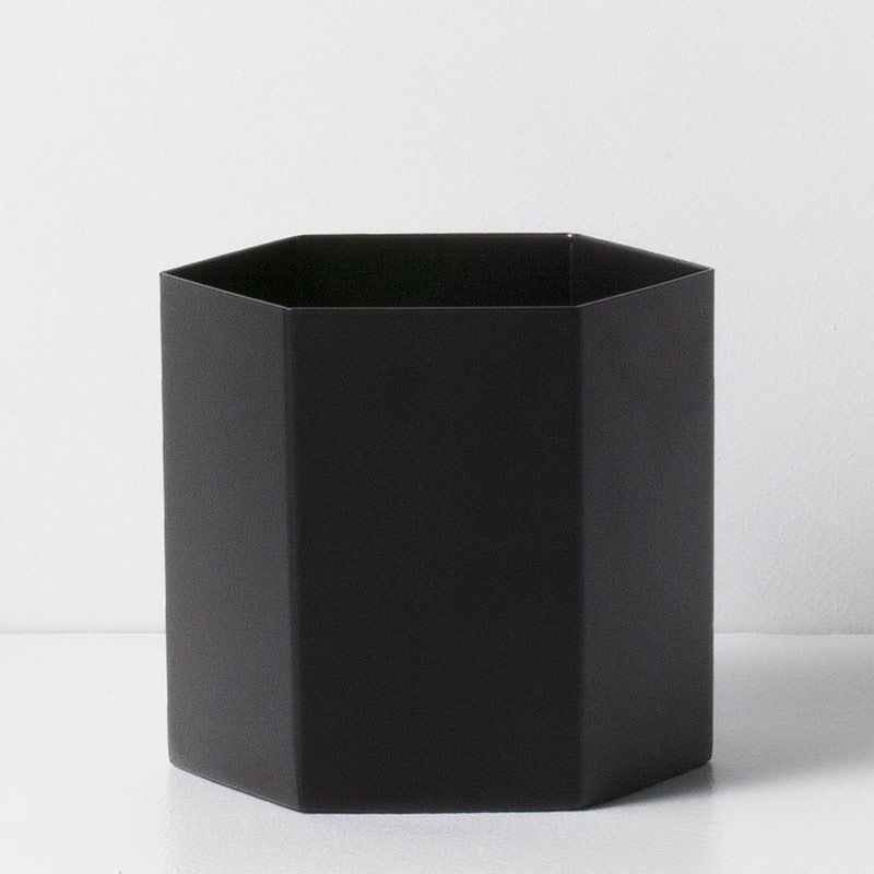 ferm LIVING Hexagon Pot - Large, black